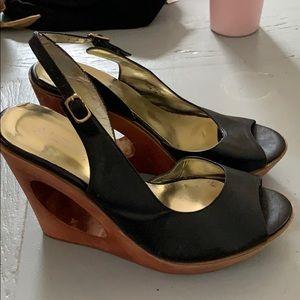 Aldo black wooden heel shoe sz. 7